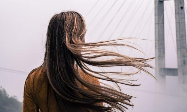 Laminowanie włosów – domowe sposoby